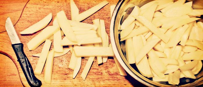 Vegetarischer Katoffelauflauf mit Käse überbacken.