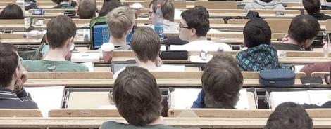 Die Vorbereitung auf das Staatsexamen mit Besuch eines universitären Repetitoriums